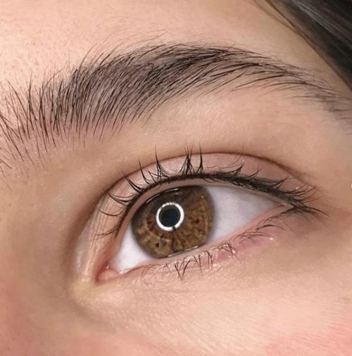 آیا انجام تاتوی چشم درد دارد