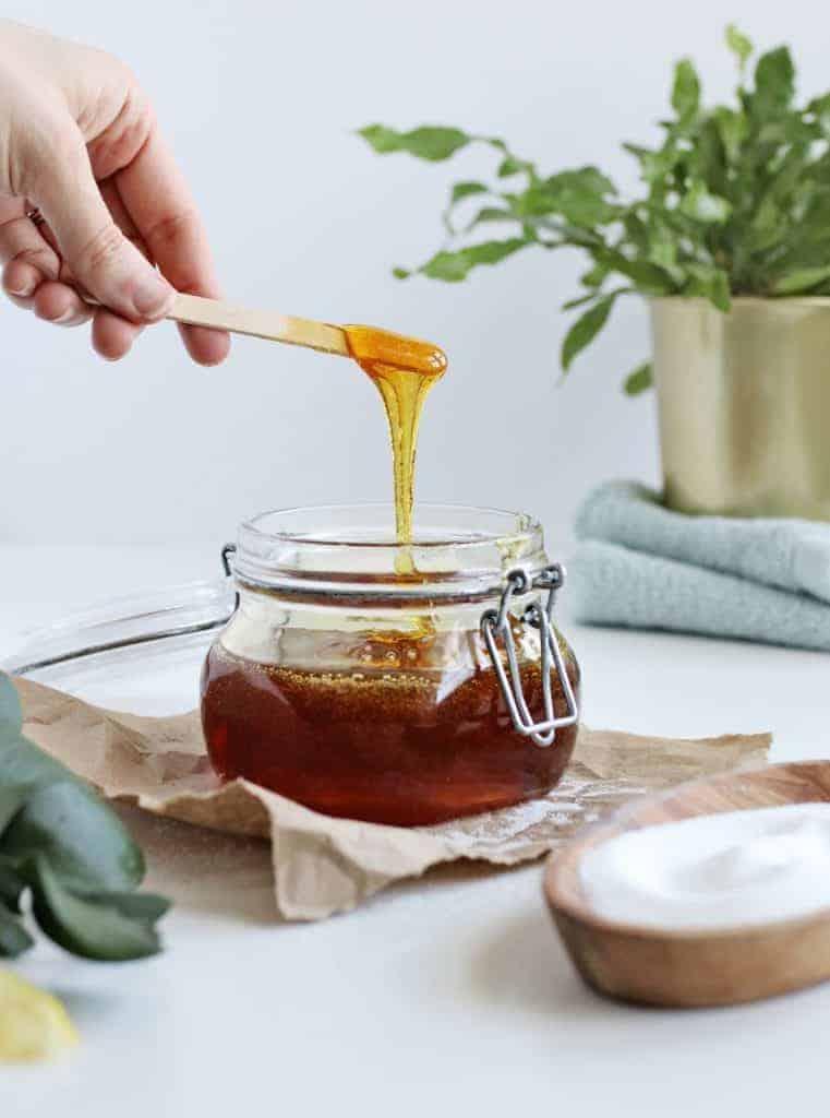 نحوه درست کردن موم اپیلاسیون با عسل در منزل